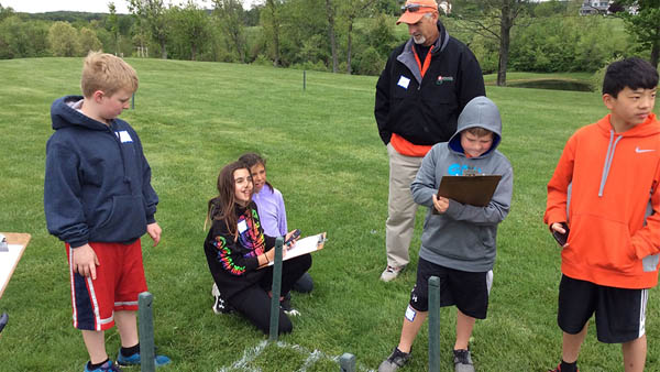 Golf course becomes living laboratory during school field trip