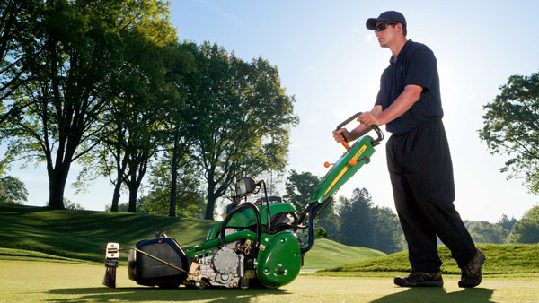 Deere rolls out redesigned web site