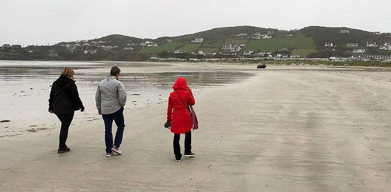 Beach walk into the village.jpg